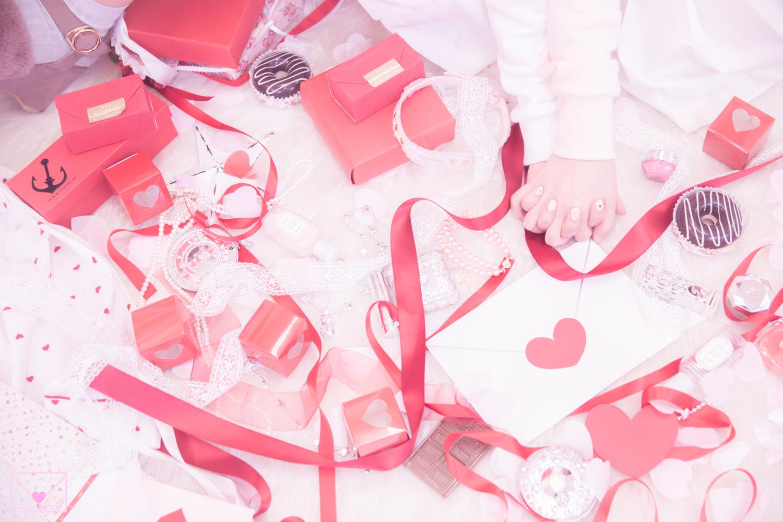 ラッピングプレゼント赤